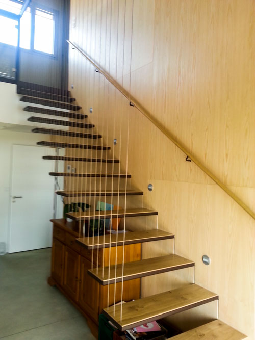 Escalier Suspendu Noble Acier