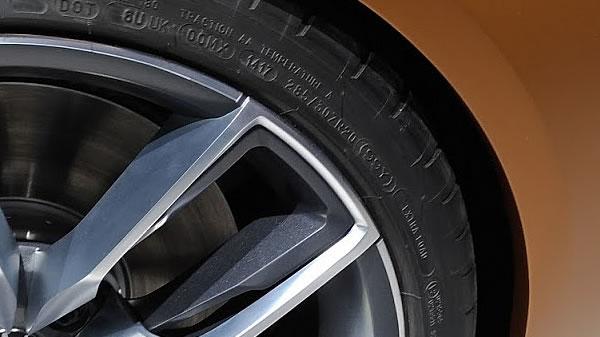 BMW Z4 コンセプト タイヤ