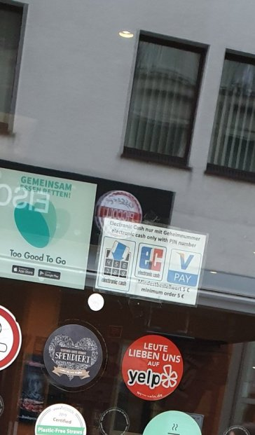 Viele Wirte sind leidenschaftliche Schildermacher (@HalidMahalbasic, Paderborn 2020)