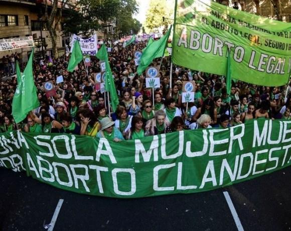 Argentina vota legalização do aborto