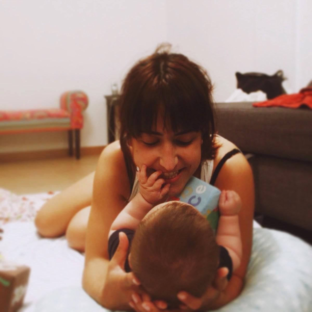 A mãe explica #4 - Cosleeping para totós