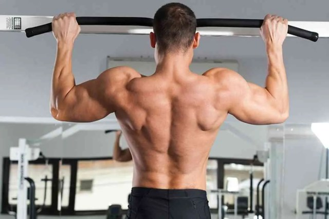 ejercicios de espalda sin pesas