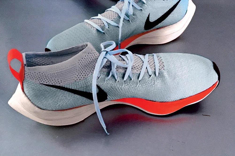 precio de las zapatillas que utilizó Kipchoge