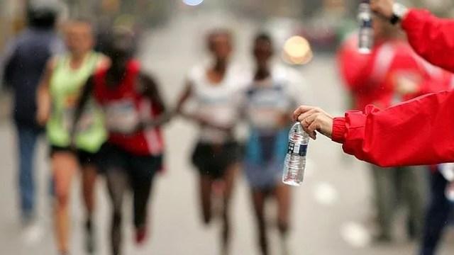 avituallamientos en un maratón