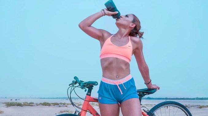 Beneficios de tomar agua al entrenar