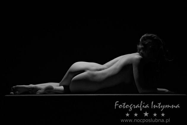 Piękno kobiecego ciała - dołeczki rozkoszy