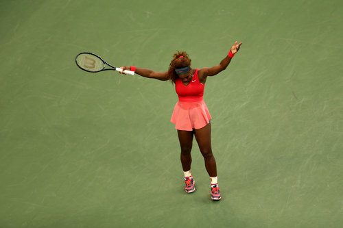 @serenawilliams WINS @usopen title after defeating Victoria Azarenka. #Serena #Tennis #NoCriticsJustArtists