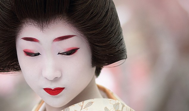 The Art of… 芸者(The Geisha) -Japanese hospitality that is… #トレクル #芸者 #NoCriticsJustArtists
