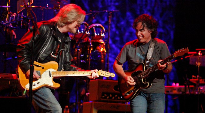 Oldie But Goodie: 'Maneater' by  Hall & Oates @HallOates (Daryl Hall & John Oates) #NoCriticsJustArtists