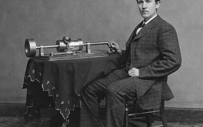 #TalDiaComoHoy 14 de Abril de 1894 Thomas Edison quien se basa en una idea de Eadweard Muybridge, presenta el kinetoscopio