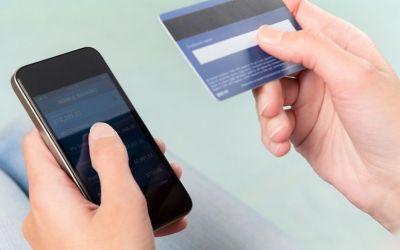 Las compras desde el móvil aumentan casi un 40% en verano
