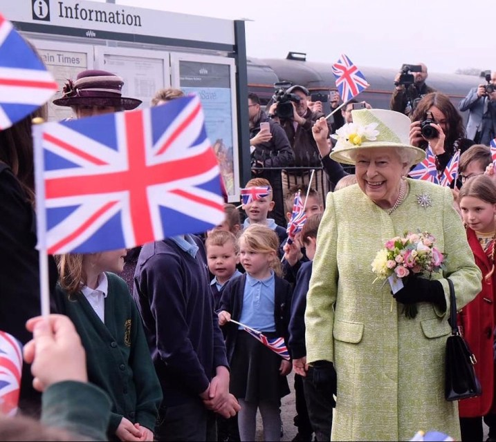 Queen arriving at Castle Cary station - photo: The Royal Family facebook page