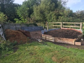different kinds of compost including manure and wood chip