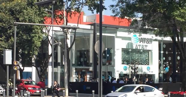 Nueva tienda insignia de at&t en México