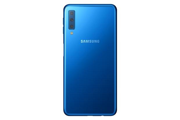 Samsung Galaxy A7, con tres cámaras traseras