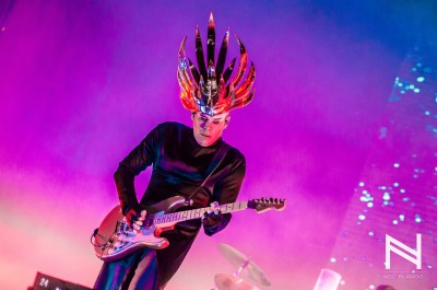 Empire of the sun-8
