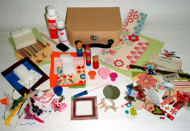 accessories for dollhouse