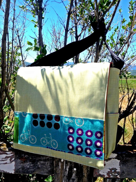 tan vinyl messenger