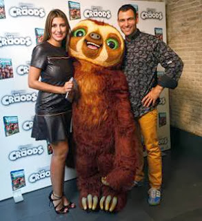 A la venta 'Los Croods' en Blu-ray, Blu-ray 3D y DVD, presentada hoy por Silvia Casas y Darío Barrio