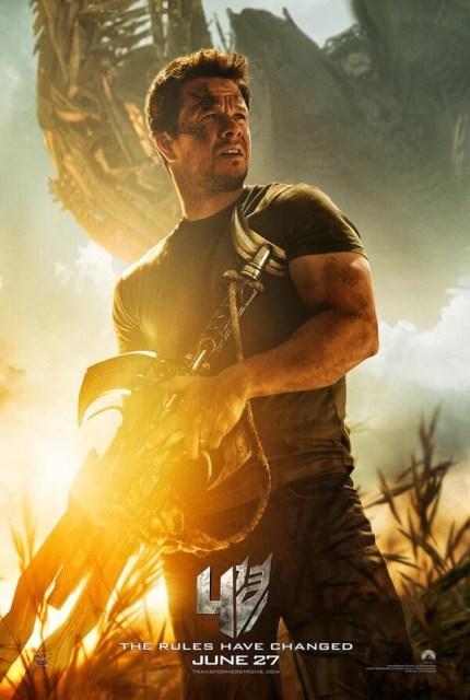 Mark Wahlberg se arma para el primer póster de 'Transformers: La era de la extinción'