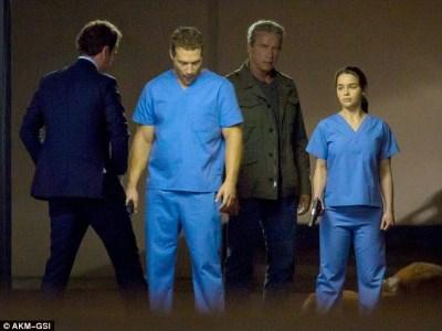 Primeras fotos del set del reinicio de 'Terminator', con Emilia Clarke, Jai Courtney y Arnold Schwarzenegger