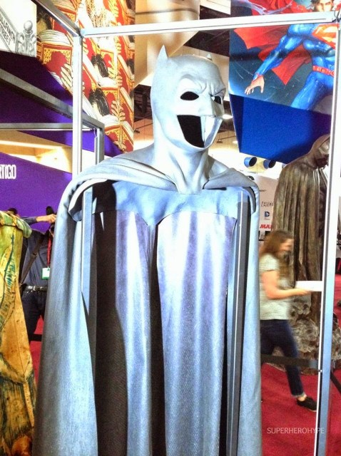 El traje de Batman en 'Batman v Superman: Dawn of Justice' se deja ver en el Comic-Con de San Diego