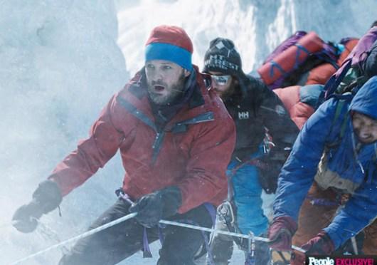 La lucha por la supervivencia en el tráiler en español de 'Everest'