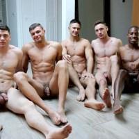 Orgía de tios heteros curiosos con Collin Simpson, Tyler Smith, Alex Griffen, Forrest Marks y Zach Douglas | GayHoopla