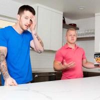 Quentin Gainz le cocina el culo a Leo Luckett | Next Door Studios