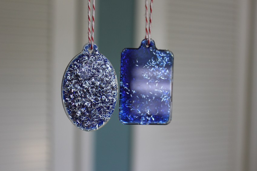 glittered fragment ornaments || noexcusescrapbooking.com
