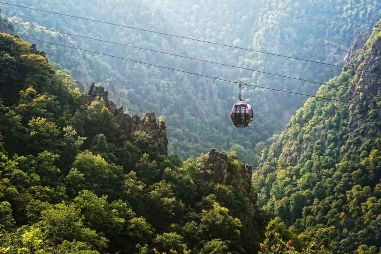 cable car during daytime