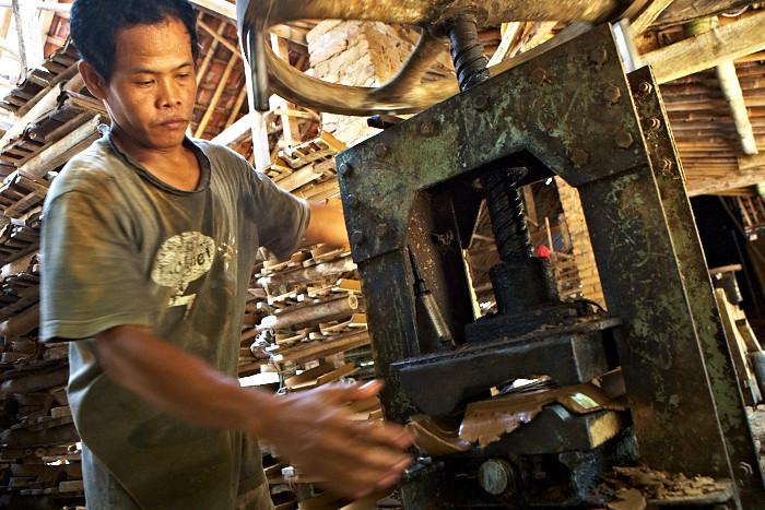 Tile Maker, Indonesia, Jogja, Jamie Chan, Travel Blogger, Work