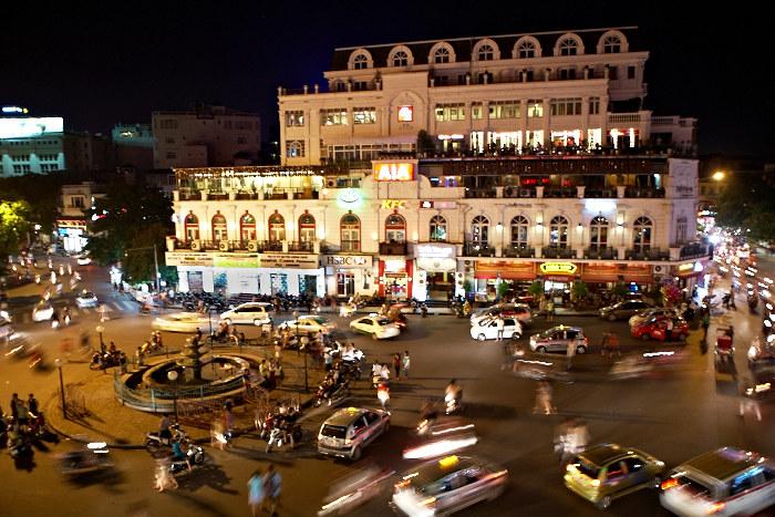 Hanoi, Busy Street, Jamie Chan, No Foreign Lands, Travel Blogger, Vietnam