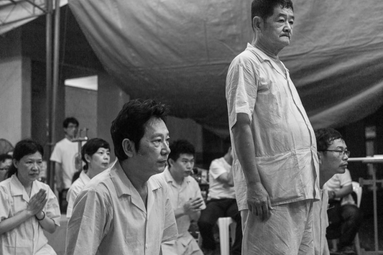 Chinese Funeral, Singapore, Traditions, Hooded women, Leica, Monochrome, Jamie Chan, Photography, Documentary, brothers