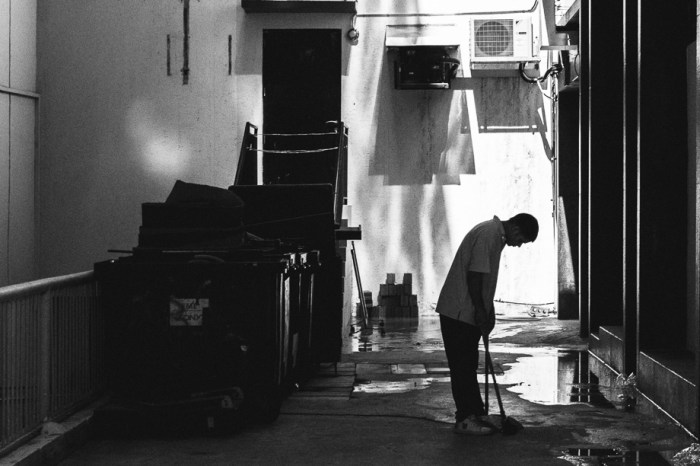 sweeper, singapore, jamie chan, leica, blogger, no foreign lands, photographer
