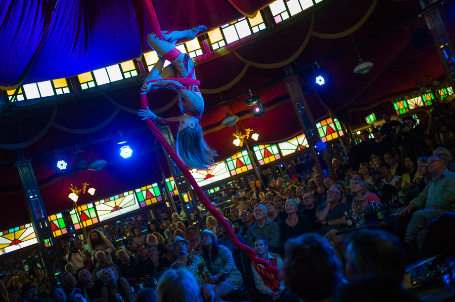 Melbourne, Australia, Docklands Blues Music Festival, Jamie Chan, Leica, Aerialist, Performance, Wonderland Spiegeltent