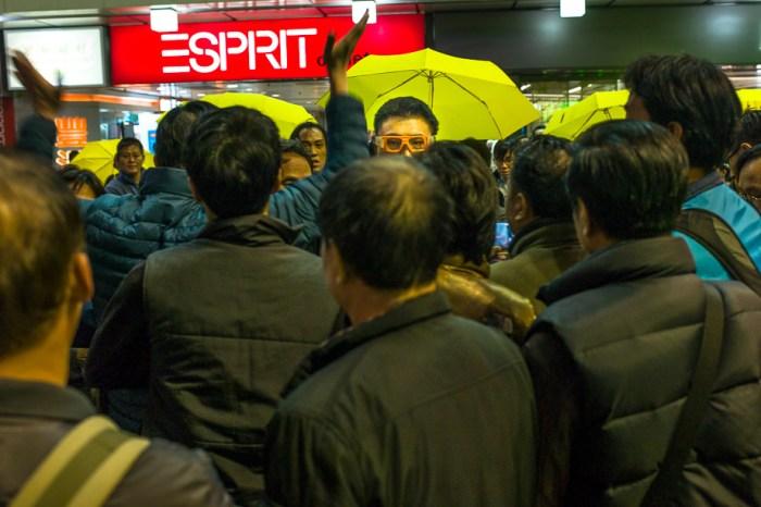umbrella movement, yellow umbrella, Hong Kong, Protest, Leica, Jamie Chan, mongkok, clash, riots