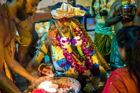 devotees, blessing, fire Thaipusam, 2015, Malaysia, Leica, Summilux, Jamie Chan, No Foreign Lands, Travel