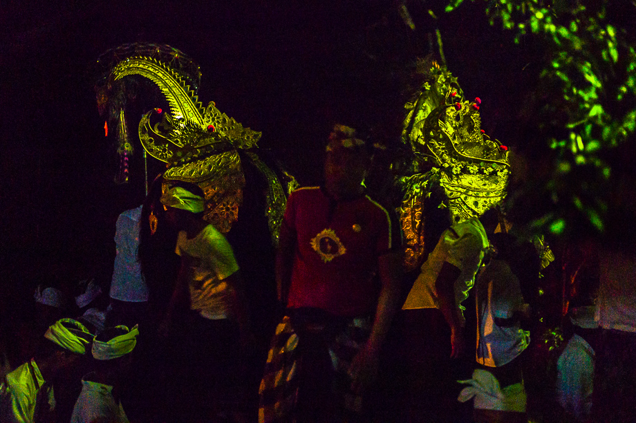 Night, Barong, Jamie Chan, Leica, No Foreign Lands, Bali, Indonesia, Ubud, people