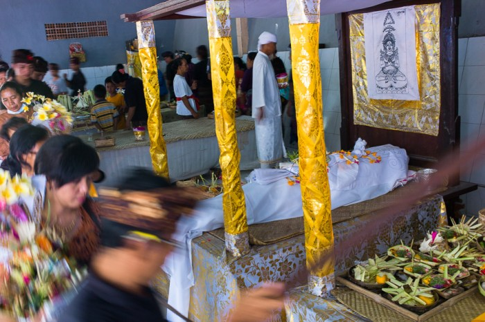 Ritual, Cremation ceremony, balinese tradition, funeral, Jamie Chan, No Foreign Lands, Leica