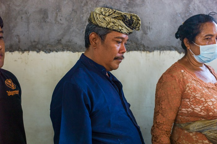 Balinese funeral, cremation ceremony, Jamie Chan, Travel Blogger, Photography, Leica, No Foreign Lands, husband