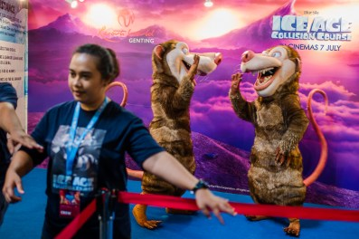 genting, malaysia, jamie chan, blogger, review, june holidays, ice age, game, space collision, Leica, possums