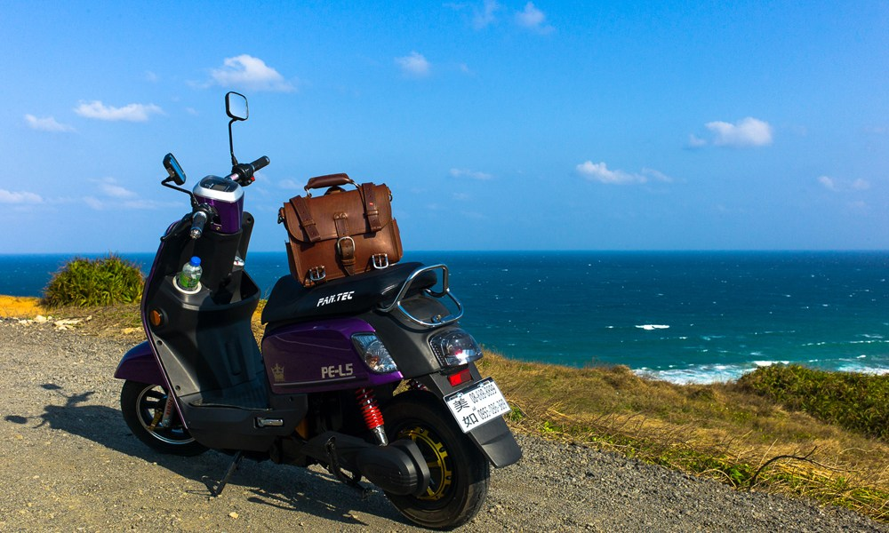 Kenting, Taiwan, Jamie Chan, Leica Photographer, travel blogger, No Foreign Lands, Scooter, Saddleback Leather briefcase