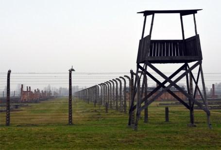 Birkenau_watchtower1000px