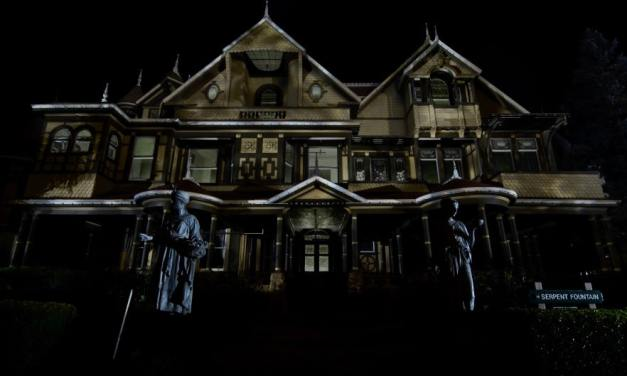 9 Iconic Locations Horror Movie Fans Should Visit