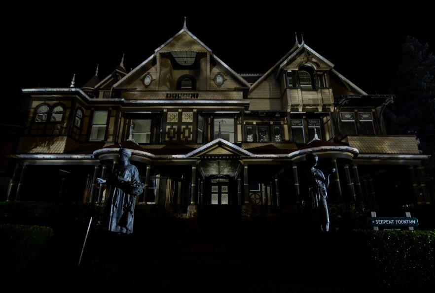 [Video] Get Lost in the Winchester Mystery House