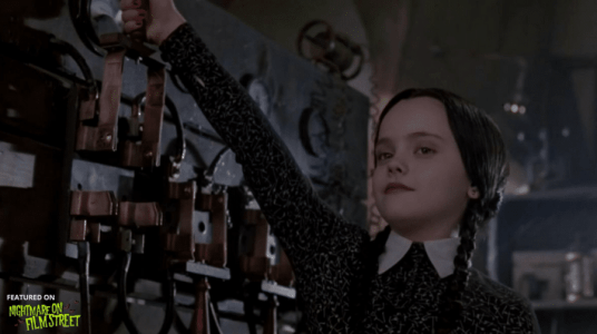 new episode of nightmare on film street horror podcast addams family values (2)