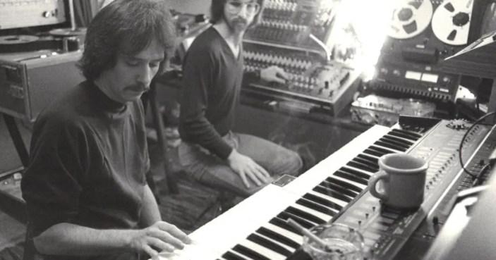 john-carpenter-synthesizer