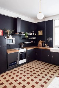 Home Renovation: Black Kitchen Walls