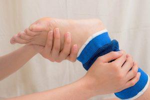 Установка пластины при переломе голени